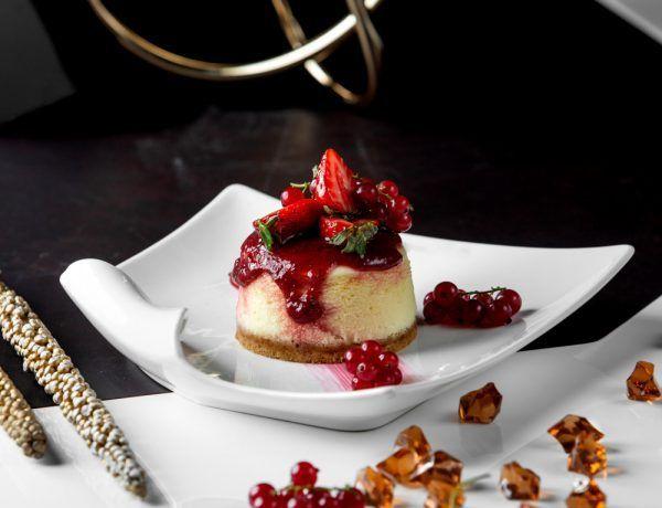 cheesecake keto de frutos rojos
