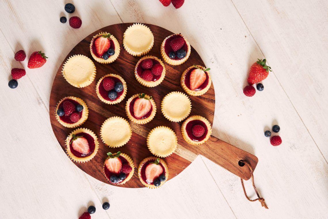 Bocaditos keto de cheese cake de fresa
