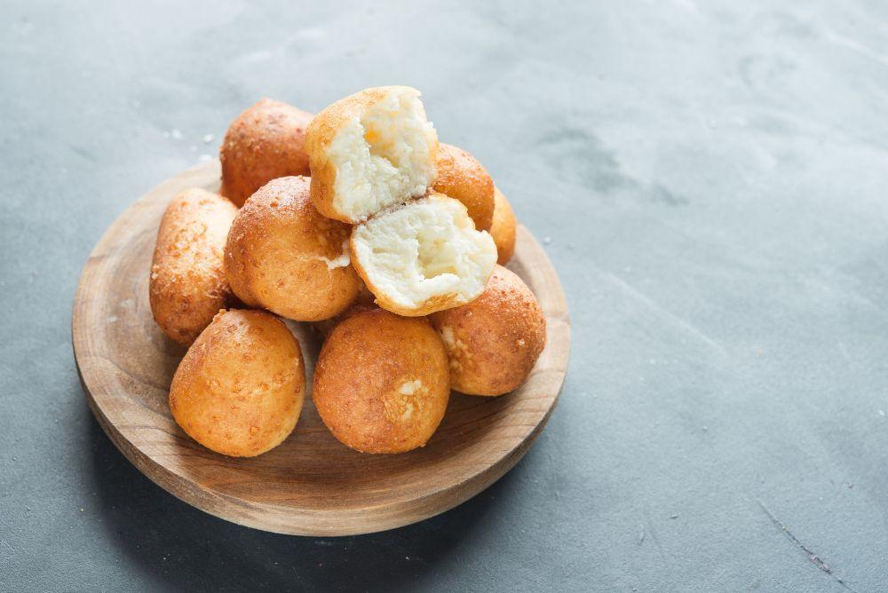 Buñueos colombianos bajos en carbohidratos
